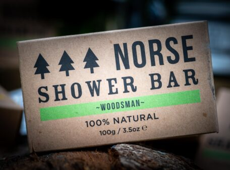 Shower-Bar-Woodsman