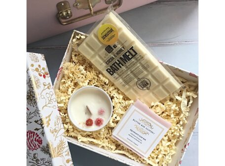Berry Delight Christmas Gift Box